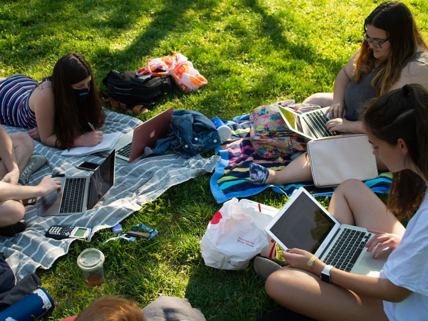 First year students who live together in Morrison study on the quad at Polk Place on April 27, 2021. Many LDOC events are online this year because of COVID-19.