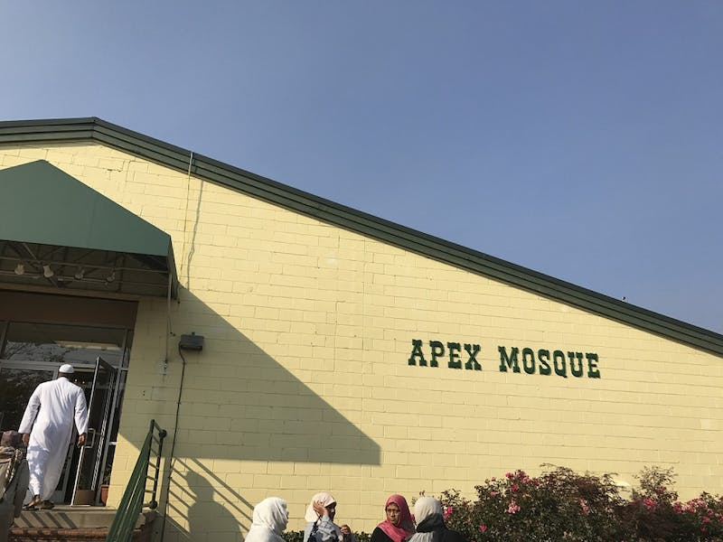 Students visited the Apex Mosque to gain exposure to the Arabic and Islamic culture and gain better understanding of Muslim community in the area.