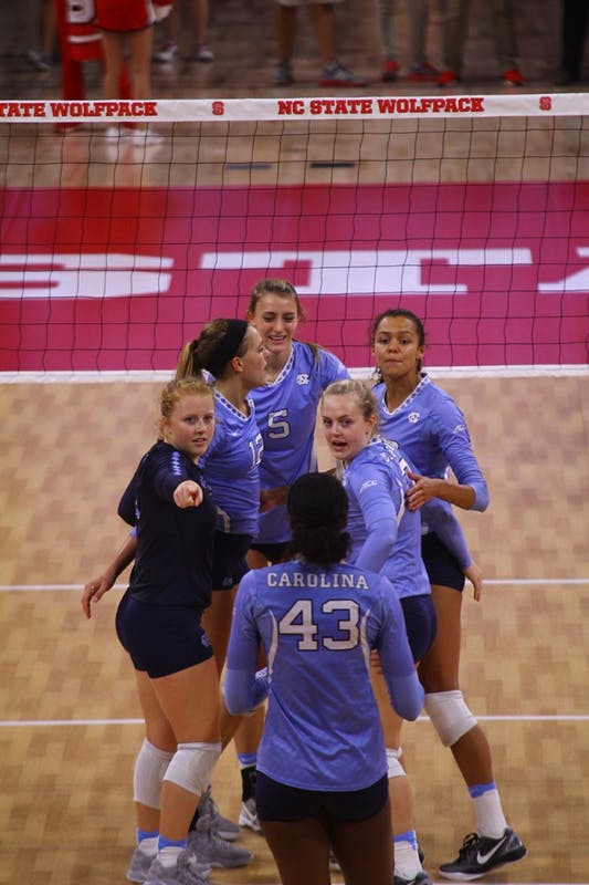 UNC volleyball defeated NC State 3-2