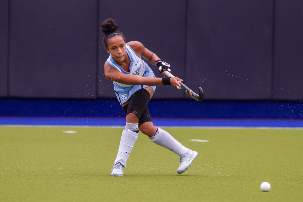 Meredith Sholder's fourth-quarter score propels UNC field hockey past UVa in 2-1 win