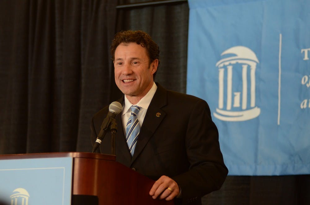 Trustees approve Larry Fedora as UNC football coach