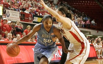 Italee Lucas made up for a poor first half with 28 second-half points to lead North Carolina to victory. DTH/Phong Dinh