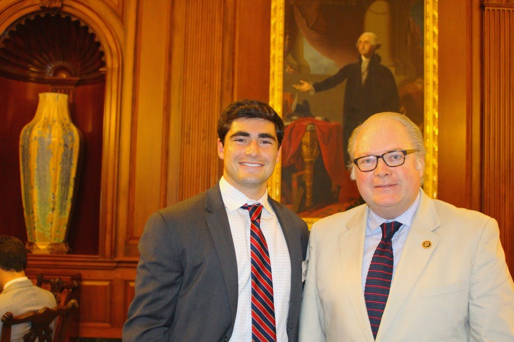 Biology major concludes internship on Capitol Hill