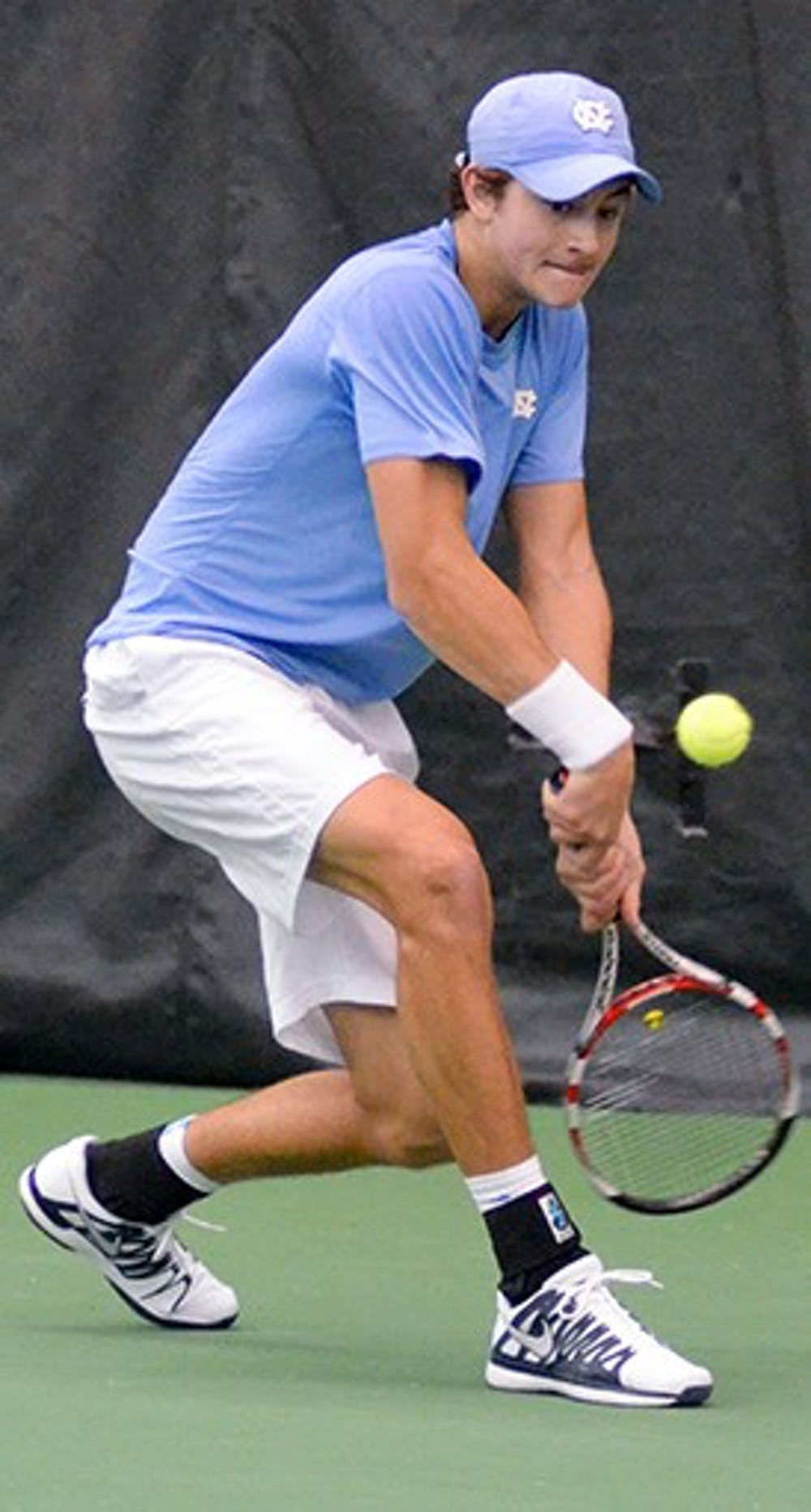 Men's tennis picks up 2 Sunday wins