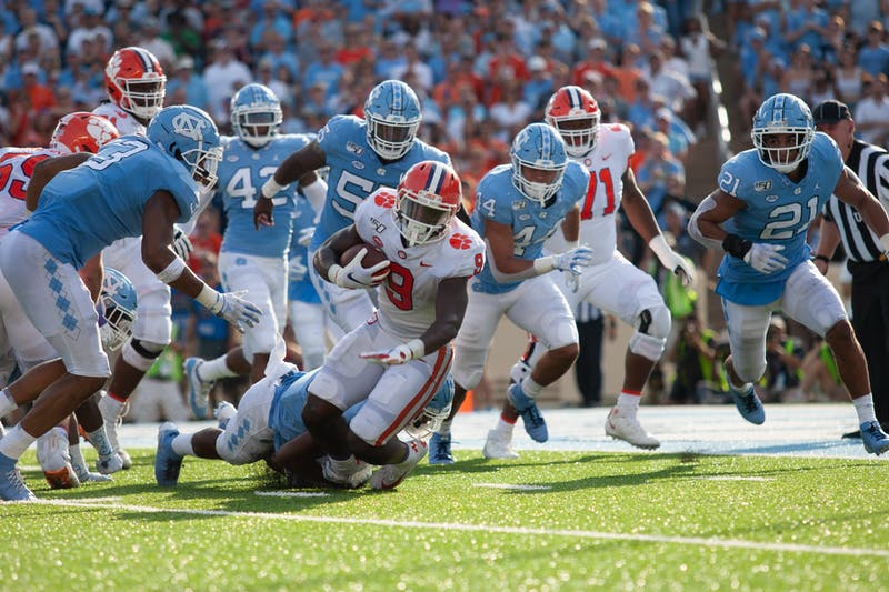 Tar Heel defensive line relying on younger group after losing duo to NFL