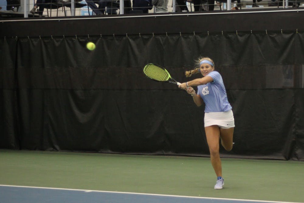 No. 1 North Carolina women's tennis handles Louisville, 4-0, continues hot ACC start