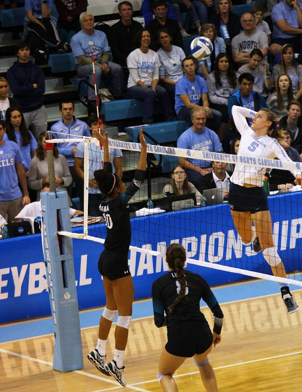 UNC volleyball moves on to Sweet 16