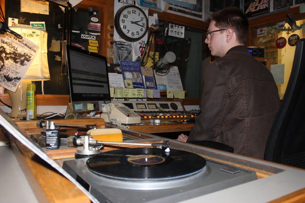 Student DJs work graveyard shifts to keep college radio alive