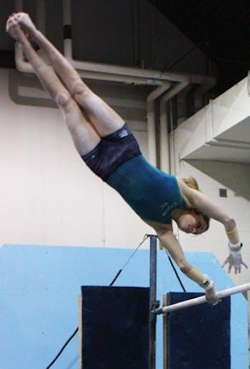 5443_gymnast_2_erin_hullf.jpg