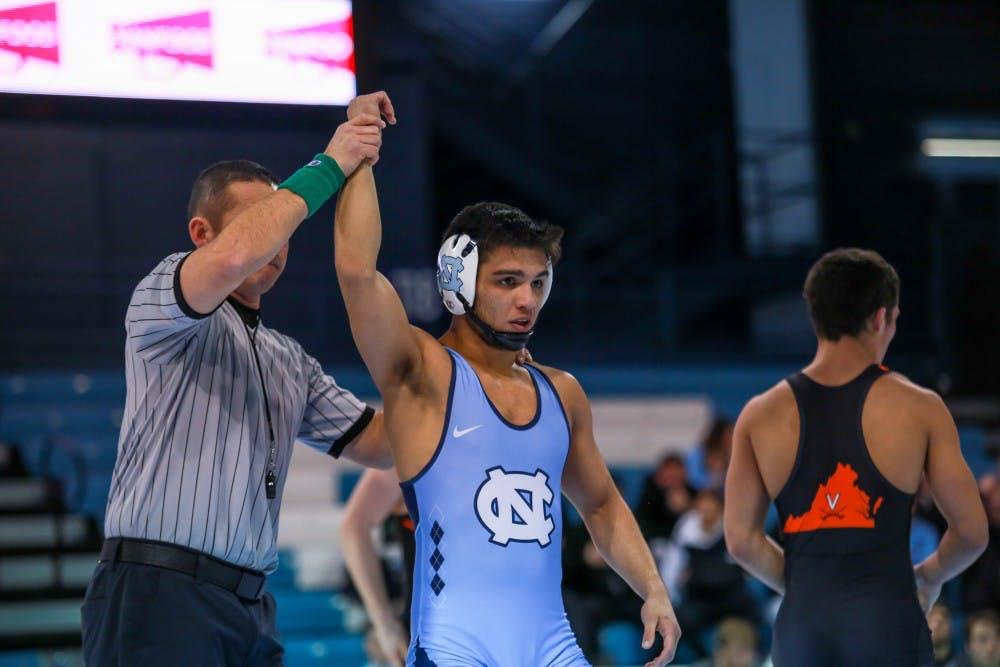 No. 17 North Carolina wrestling defeats No. 25 Virginia, 22-13