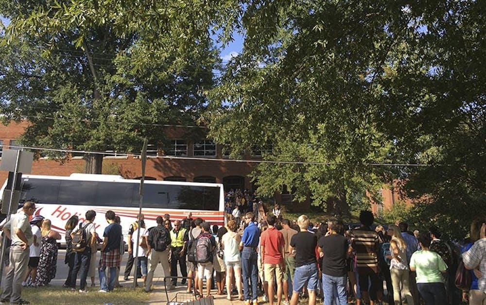 Clinton rallies after pneumonia for Greensboro rally