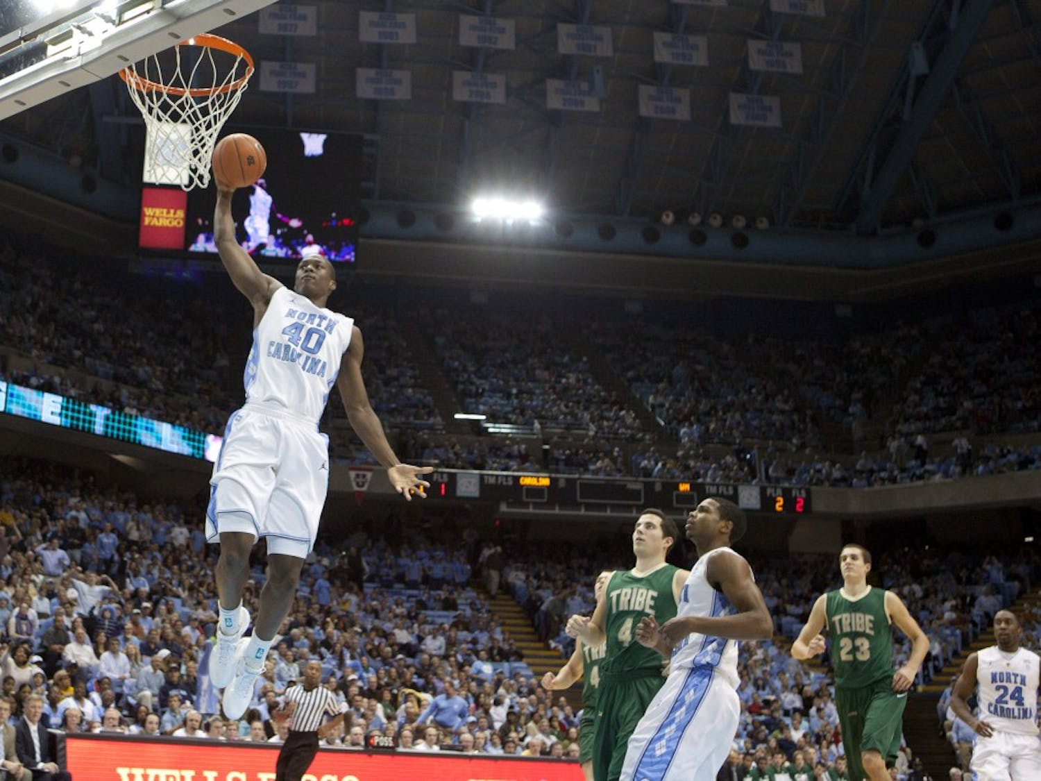 Harrison Barnes dunks for two of his 13 points on Tuesday night