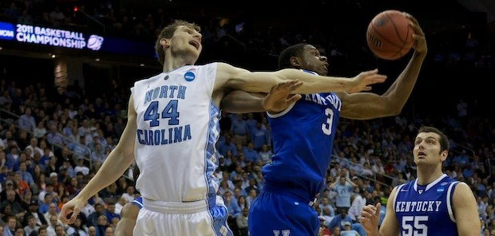 Kentucky leads UNC 38-30 at halftime in Elite Eight