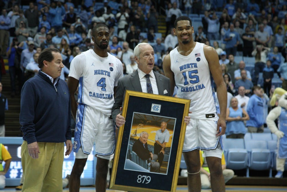 UNC's Roy Williams ties Dean Smith in all-time wins with Yale victory