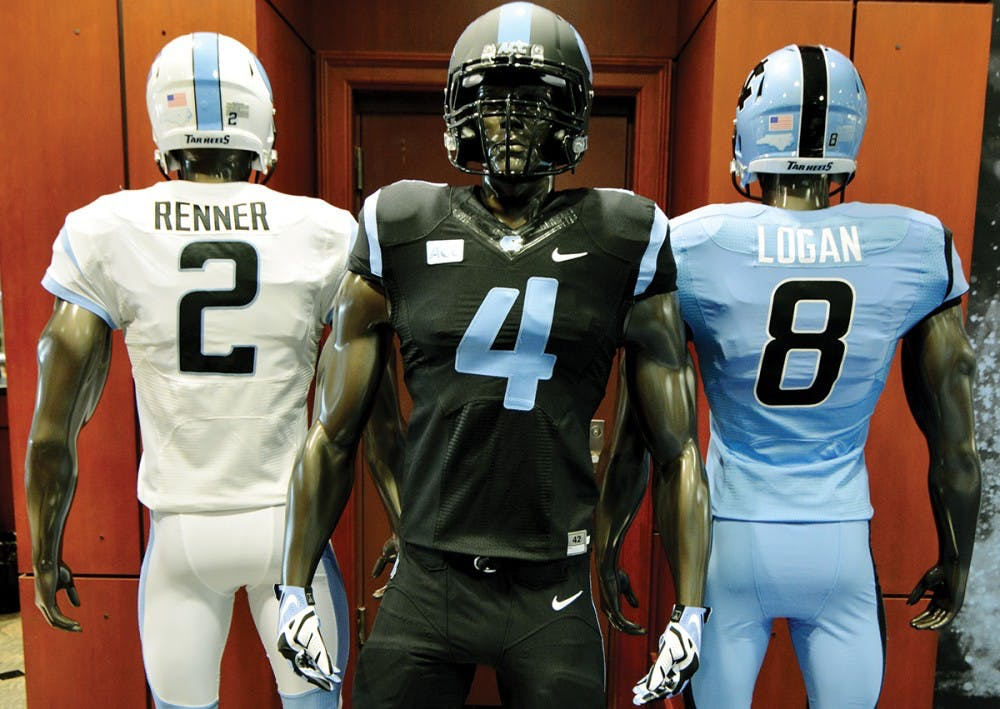 Football team uses new uniforms to draw recruits