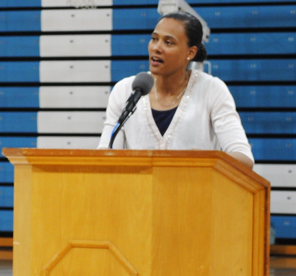 Marion Jones shares life lessons with athletes