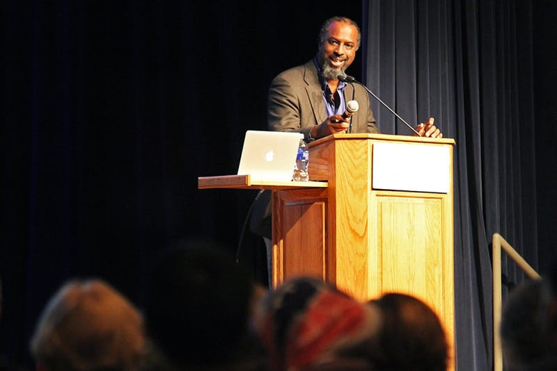 Diversity outreach coordinator and Israel advocate Dumisani Washington speaks to a conflicted crowd at a CUFI on Campus event on February 10.
