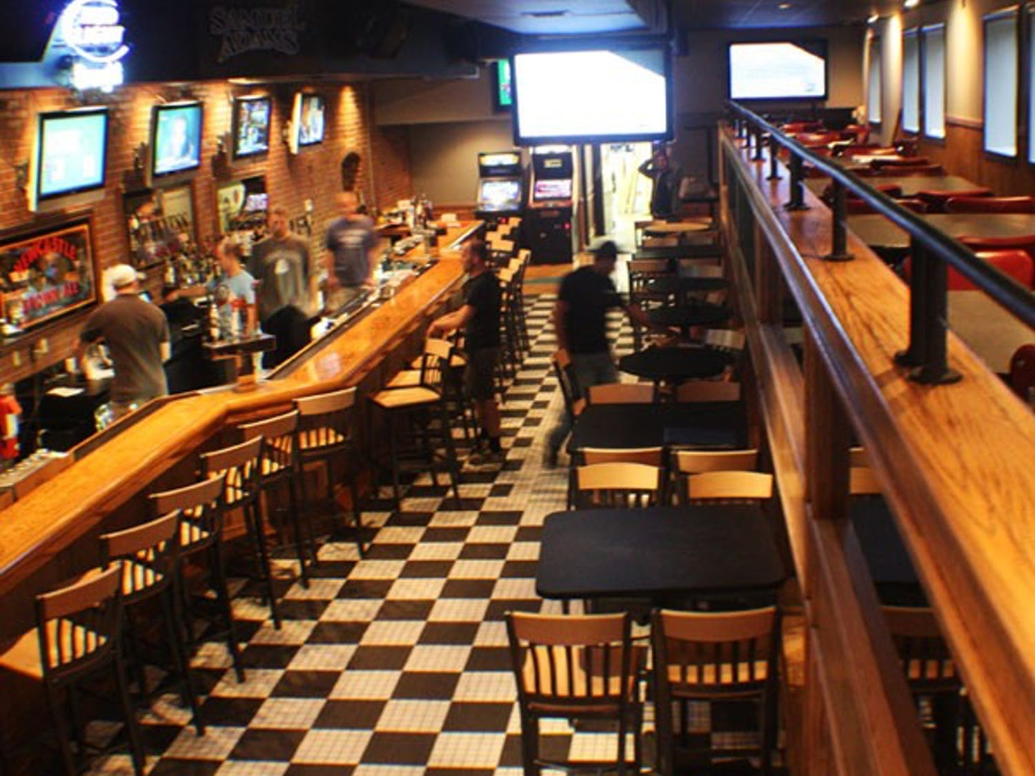 Four Corners Bar reopens this week after it closed in July due to slow business. DTH/Gladys Manzur