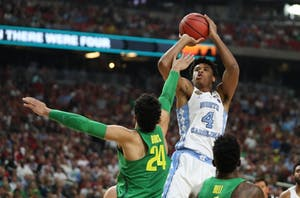 Former UNC forward Isaiah Hicks (4) takes a jumper against Oregon in the 2017 Final Four in Glendale, Ariz.