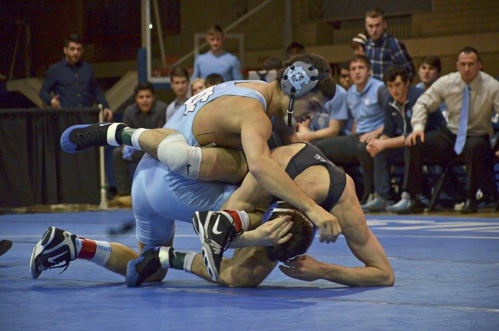 North Carolina wrestling uses 19-0 run to beat Duke 25-15