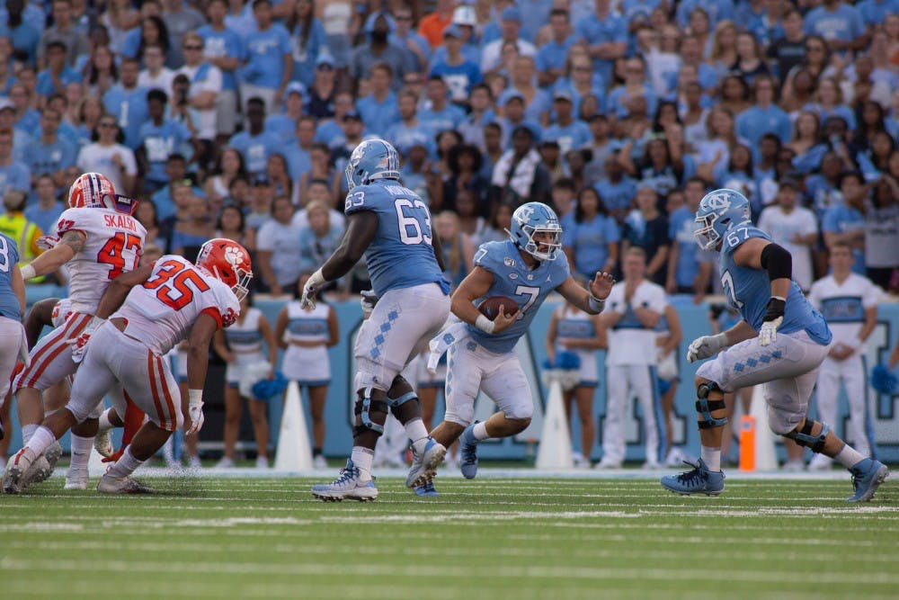 UNC falls to No. 1 Clemson, 21-20, after failed 2-point conversion