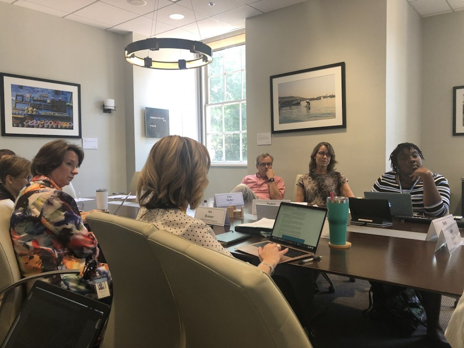 "The Faculty Executive Committee gathered Monday afternoon to consider complexities in leadership, debates over the spring ""Conflict over Gaza"" Conference and the concerns of student government."