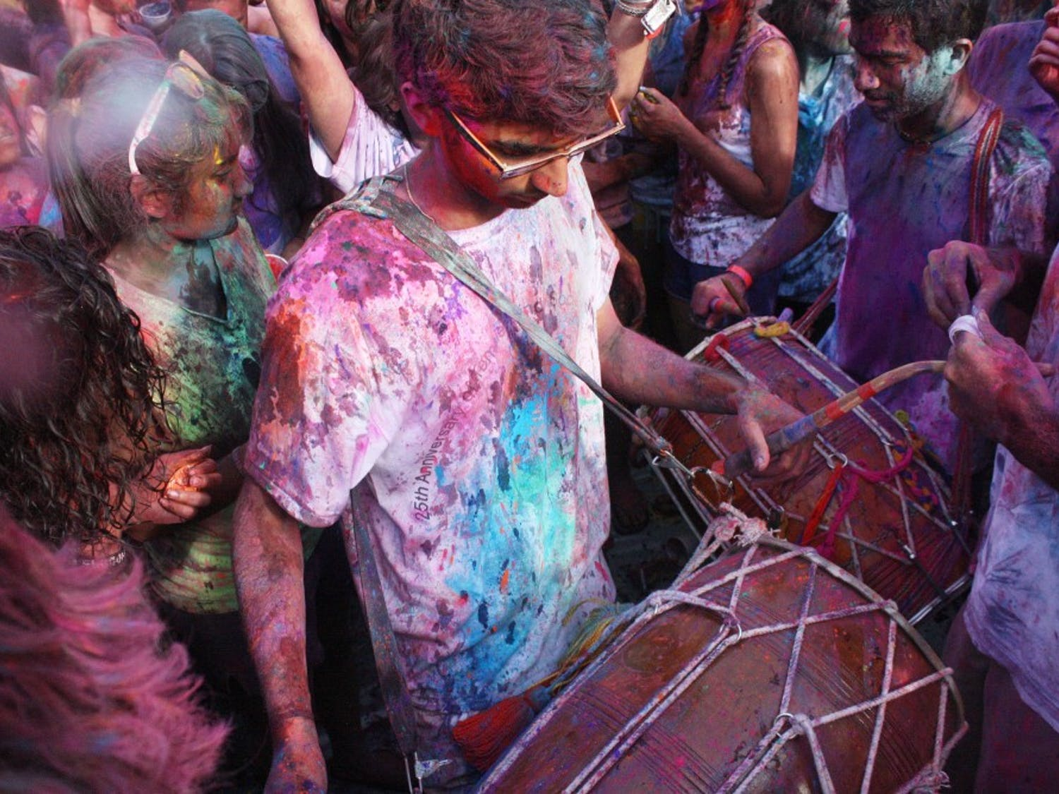 On Friday, March 23, the Hindu festival, Holi, was celebrated by over one thousand students in the Lower Quad.