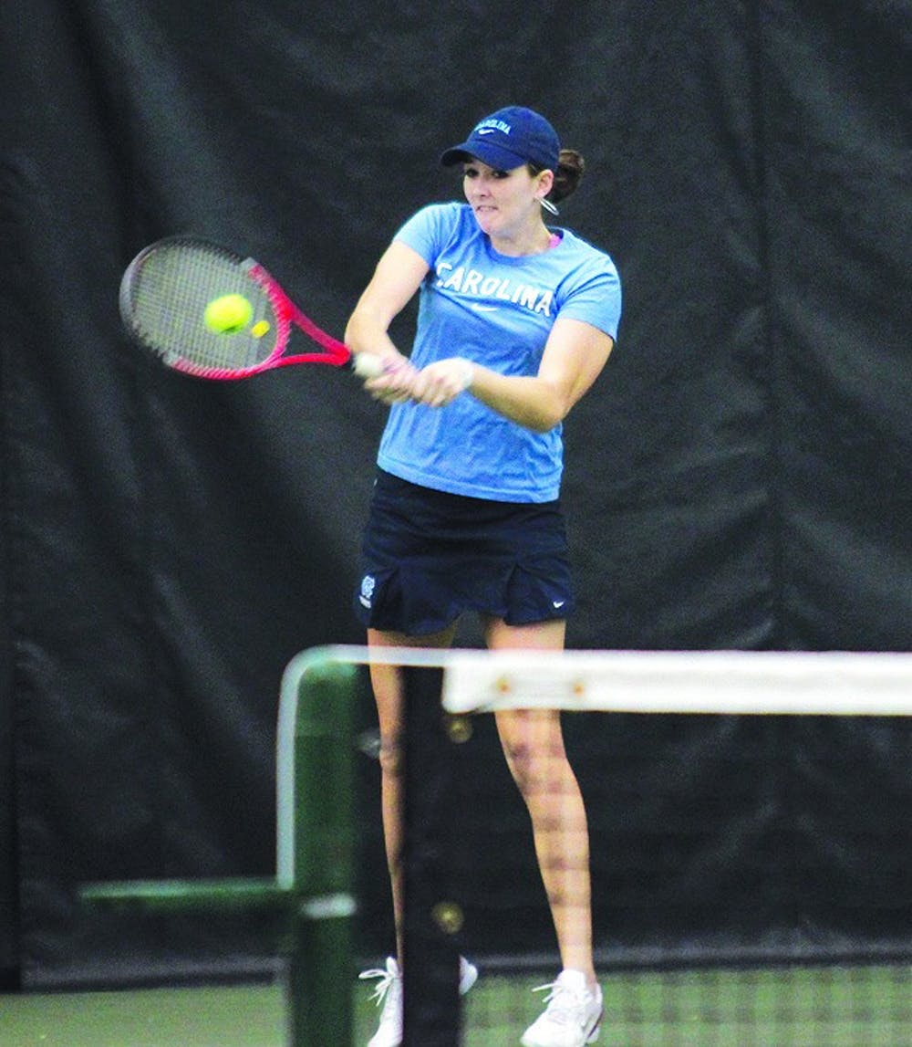 UNC tennis's Zoe De Bruycker hangs on to win