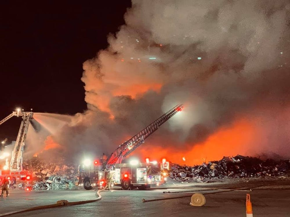 Large scrapyard fire causes strong odor in Ypsilanti area