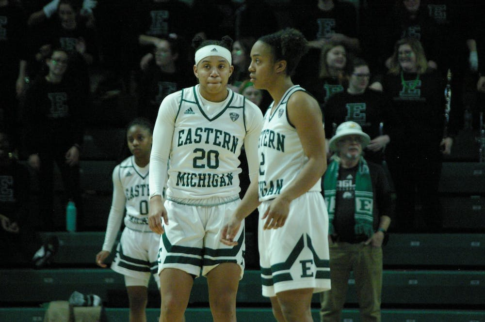 Annecchiarico and Combs lead EMU women's basketball to victory