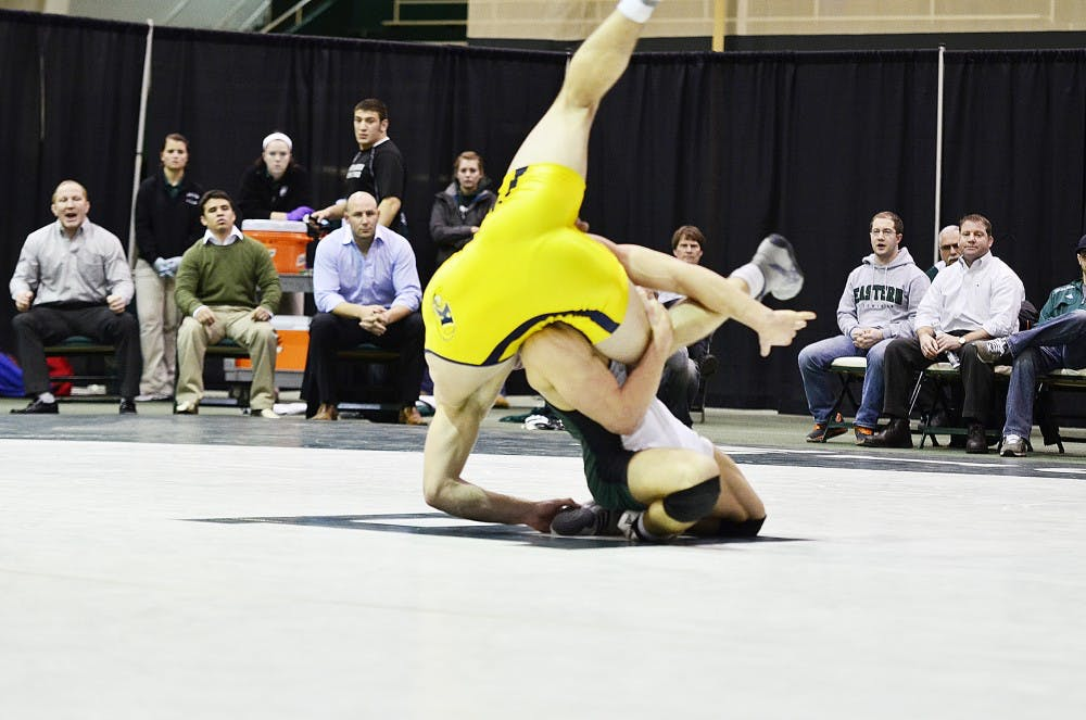 Wrestling loses to Kent State