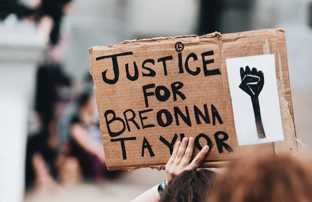 Opinion: The law prioritizes protecting police over Breonna Taylor