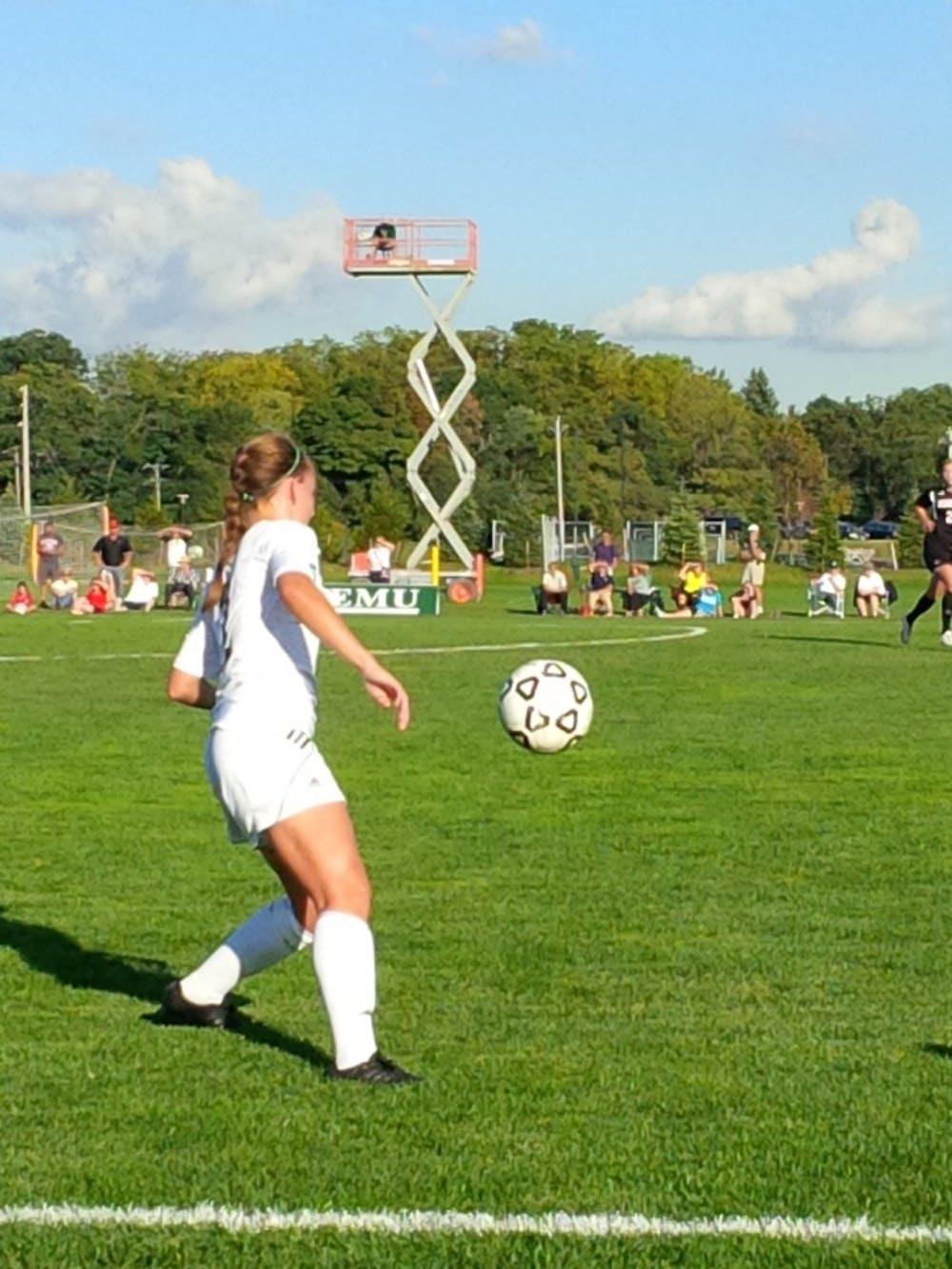Soccer extends win streak