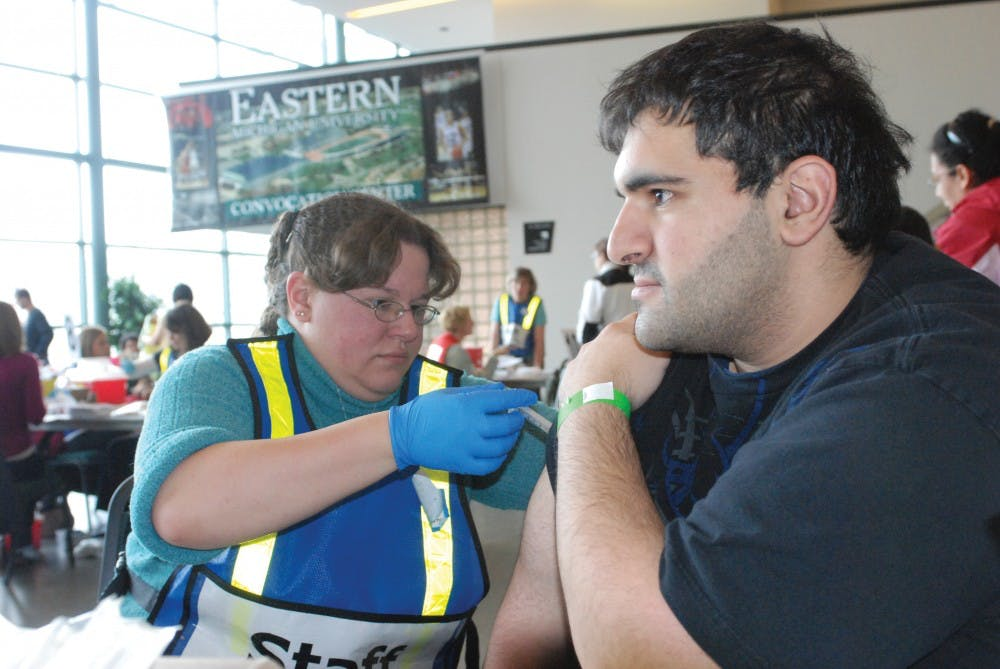 EMU hosts mass H1N1 vaccination at Convocation Center