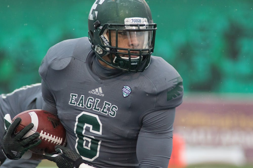 Eagles finish 2-10 with 52-16 loss to Toledo