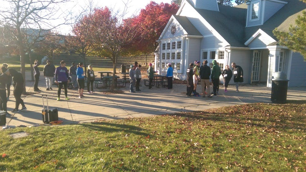 Runners warm up for EMU's turkey trot