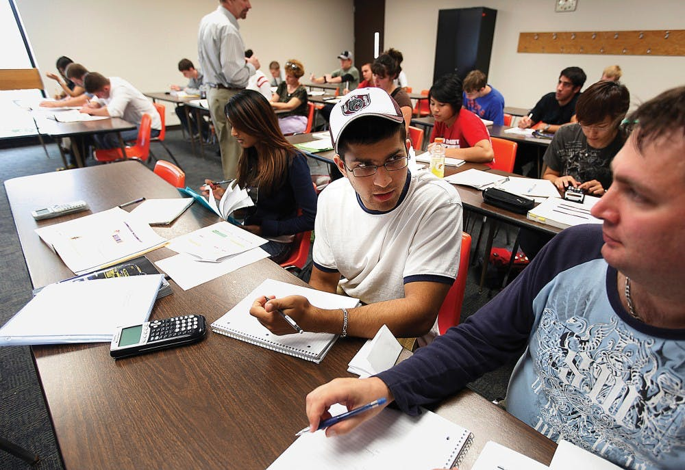 Economy changing students' minds as many switch schools, save money