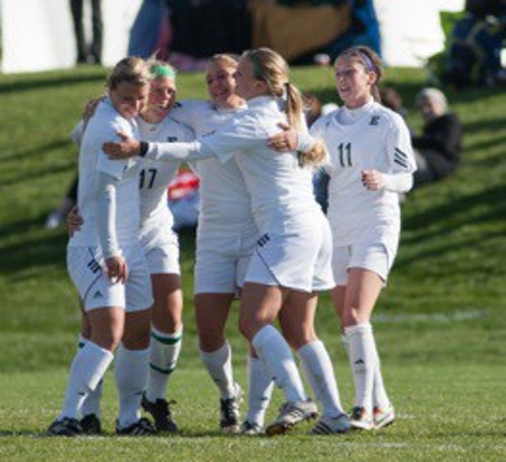 Women's soccer team advances to MAC semifinals with 3-0 shutout of Ohio