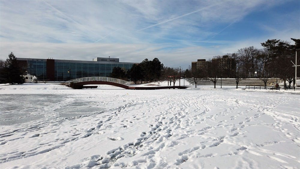 Icy Campus Frustrates Students