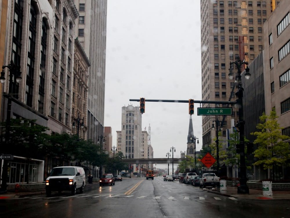 Detroit's power is out throughout in various areas of downtown including stoplights as seen at John R and Woodward, Friday, June 10, 2011. (Regina H. Boone/Detroit Free Press/MCT)