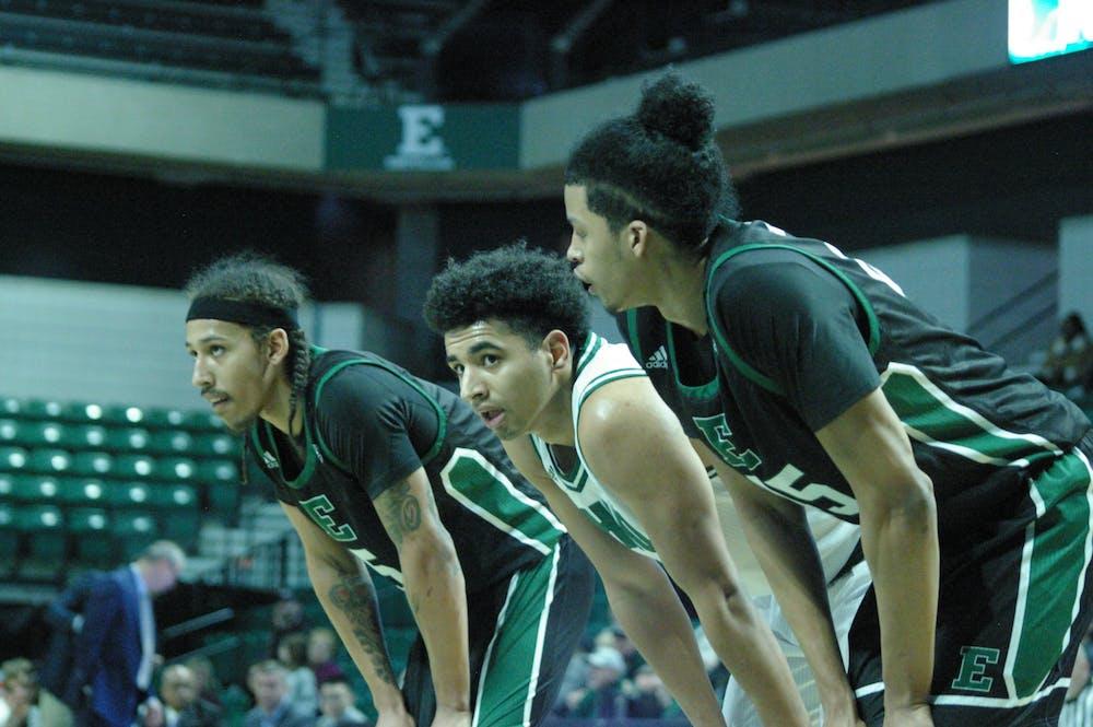 EMU men's basketball falls to Akron