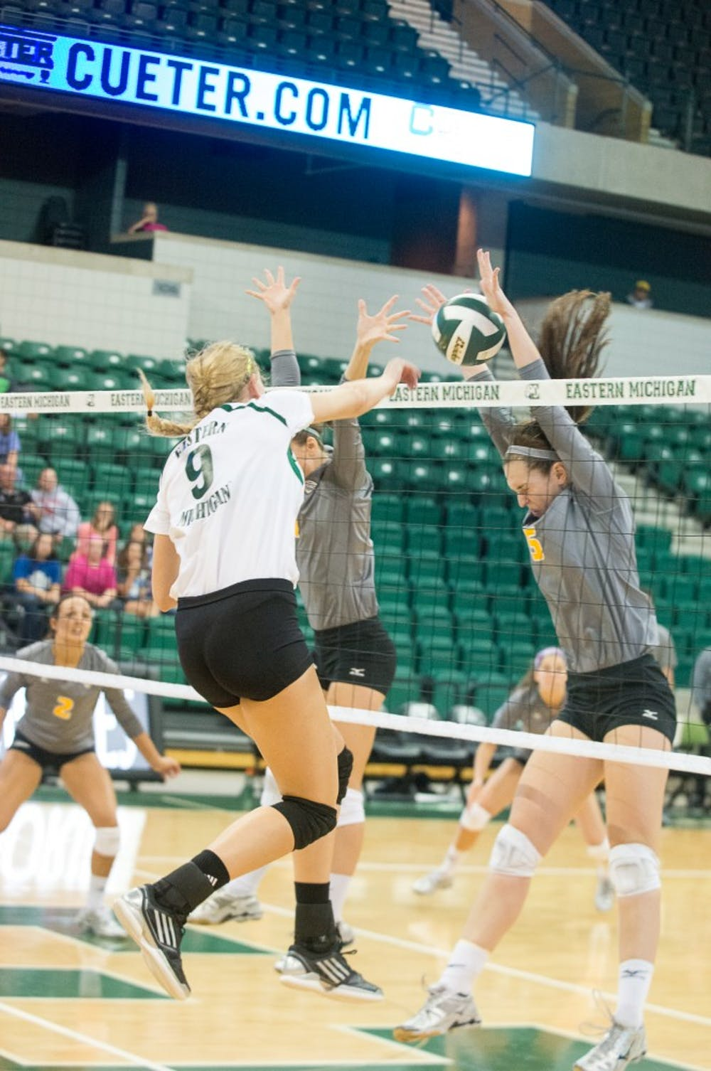 Eagles volleyball bounces back against UT