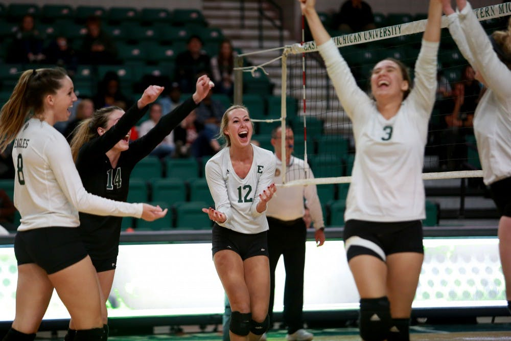 Eagles volleyball defeats Purdue-Fort Wayne in four sets