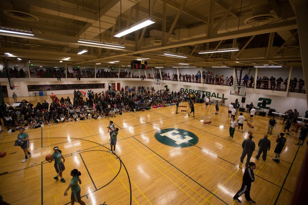EMU Basketball puts on a show at Rock the Rec 3
