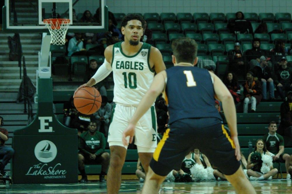 EMU men's basketball improves to 8-1