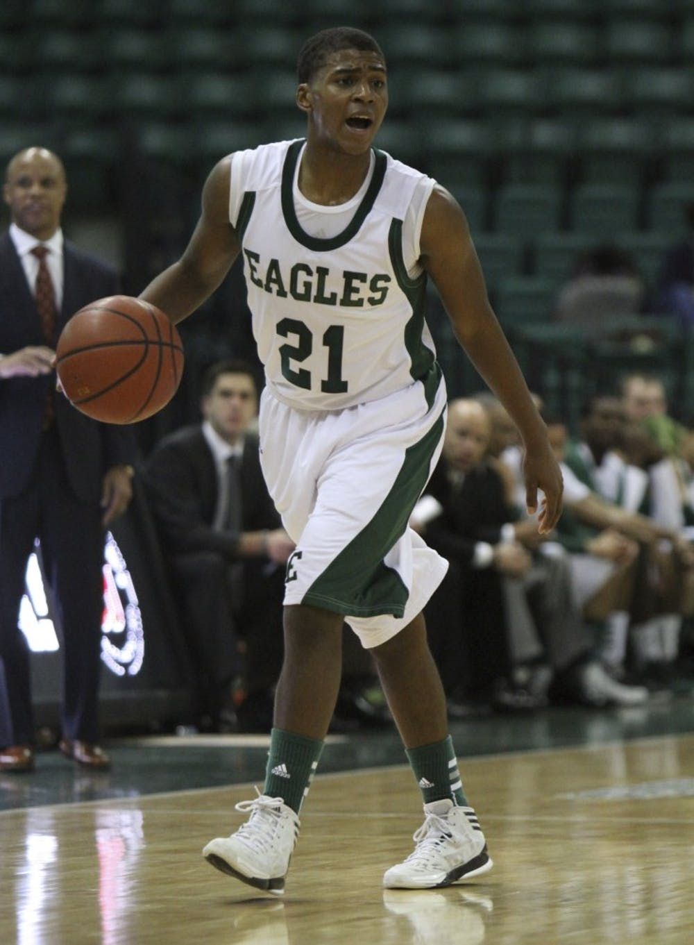 Last second foul spoils MAC opener for Eagles