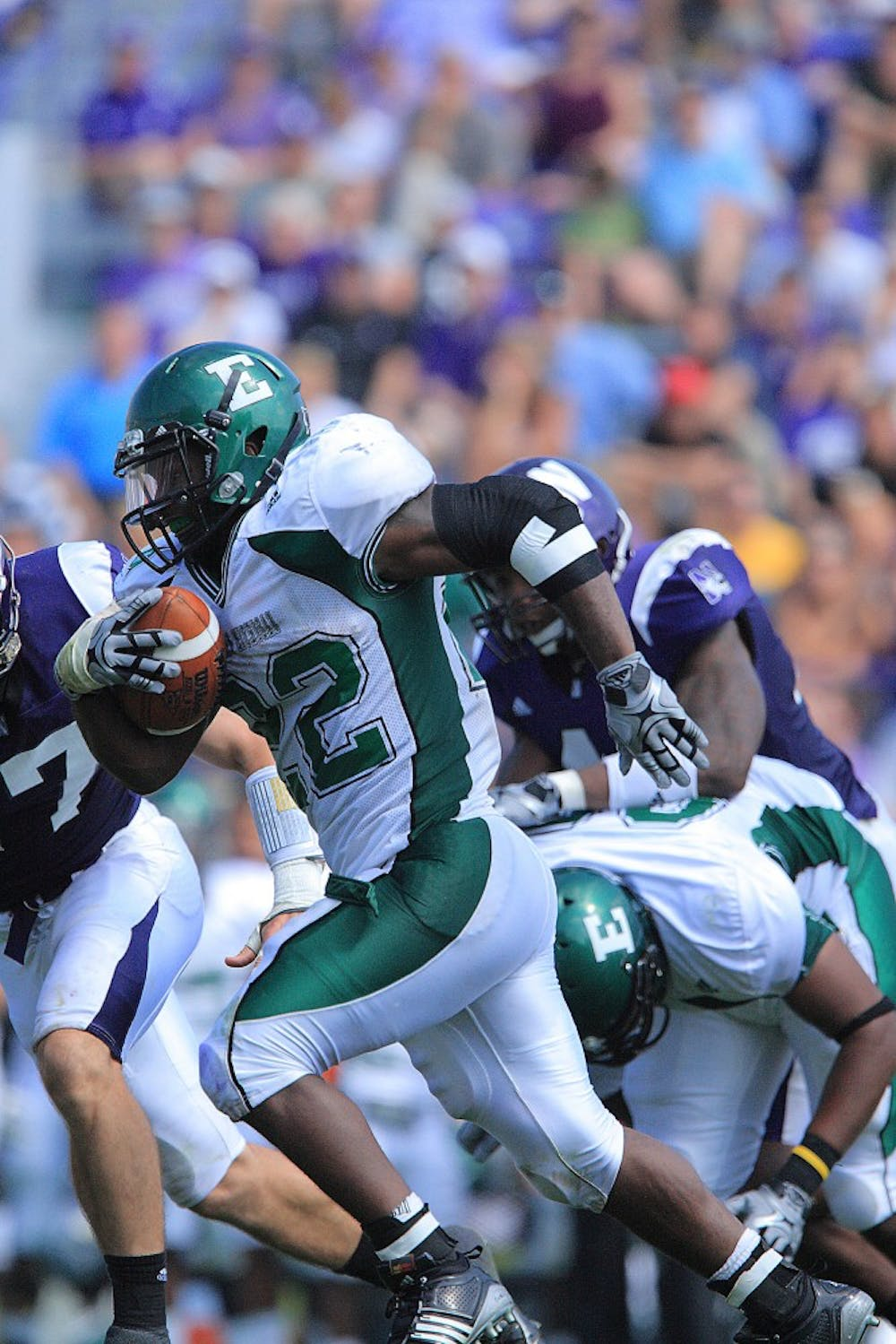 Late field goal pushes Northwestern past Eastern Michigan