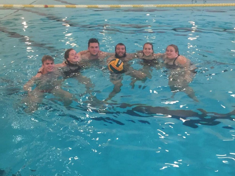 EMU Students form co-ed water polo club