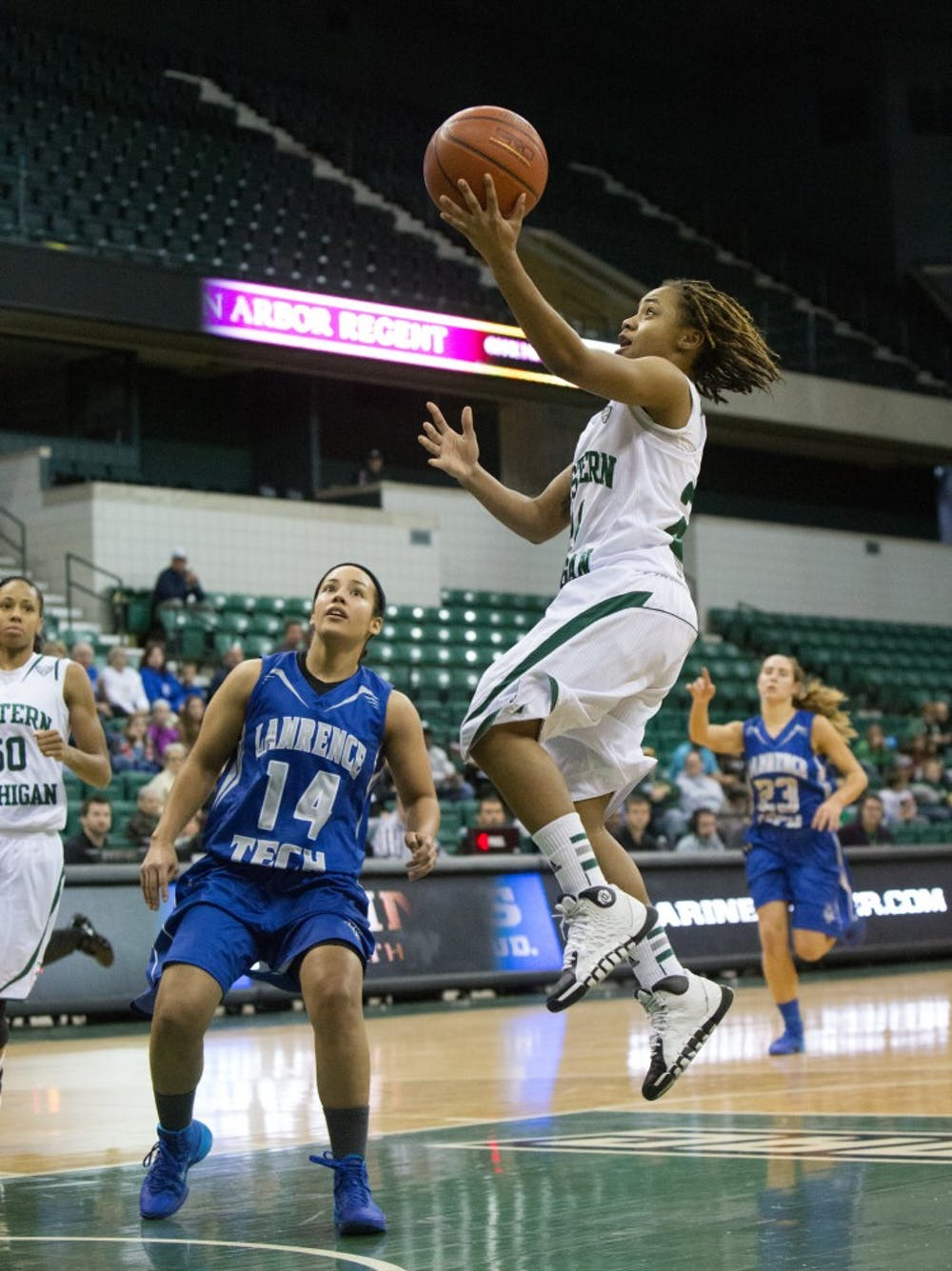 Women's basketball to face Ball State University