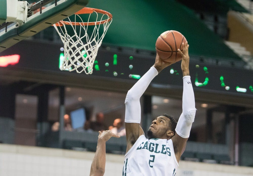 Thompson's 32 points leads Eagles to victory